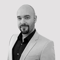 Sales Representative Metin Karakaya